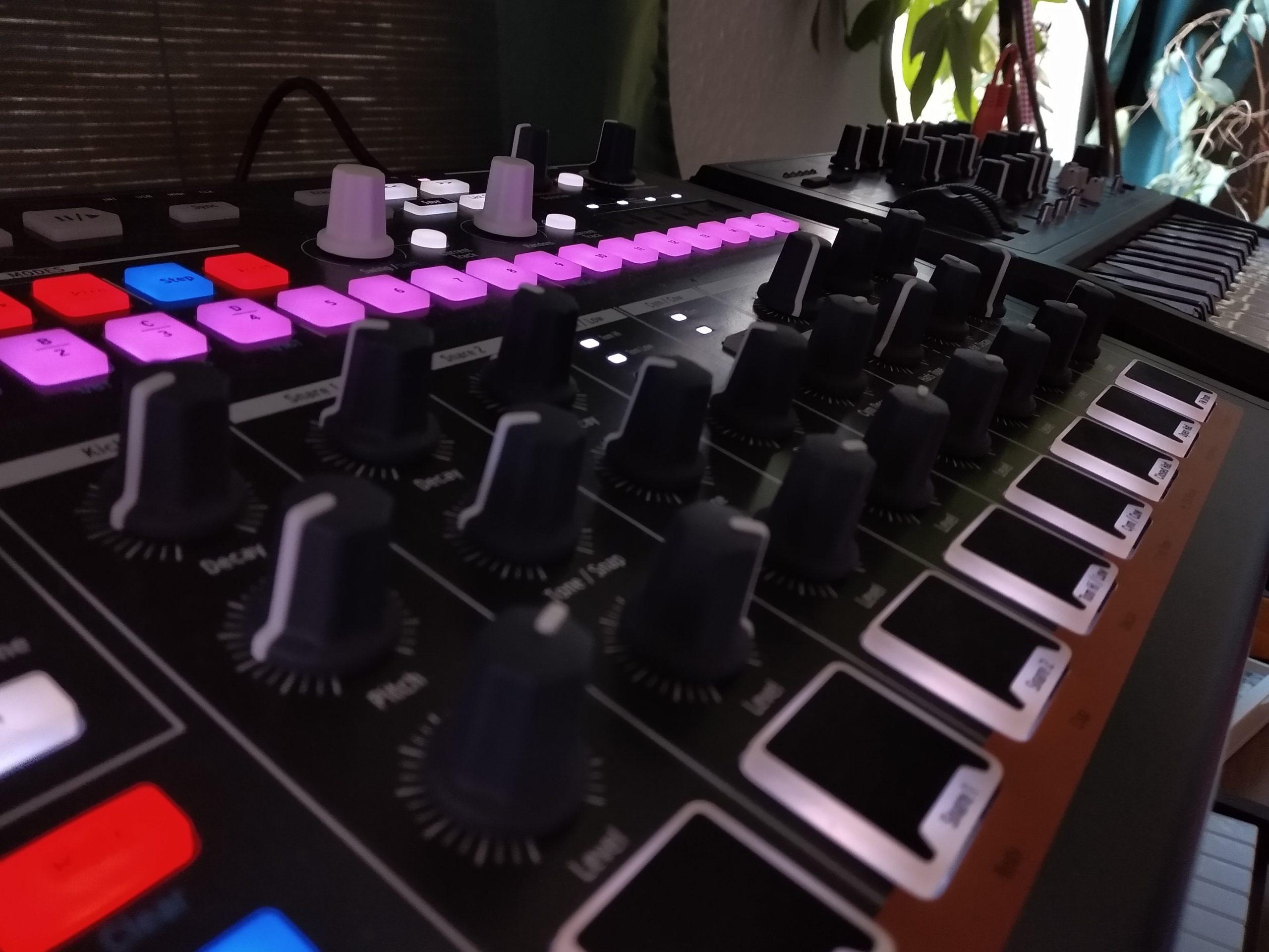 Drumbrute und Microbrute